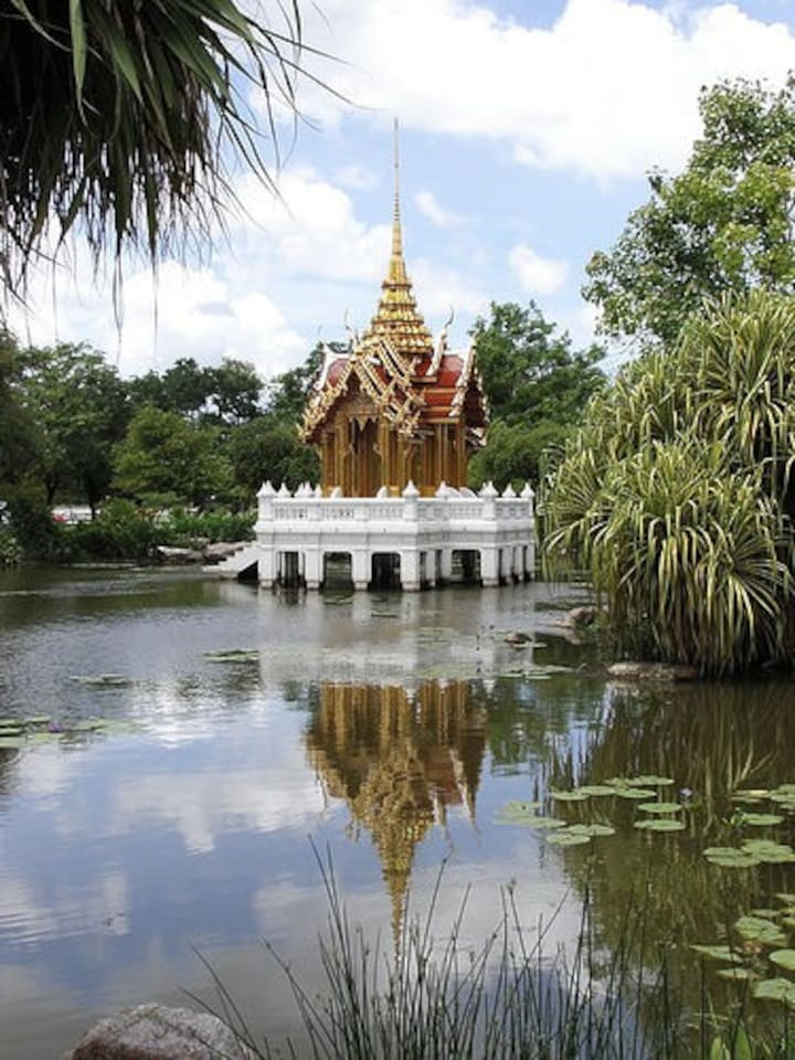 2 minutes ride to Suan luang rama 9th is largest park on the eastern bangkok. Size of 700,000 sq.m.