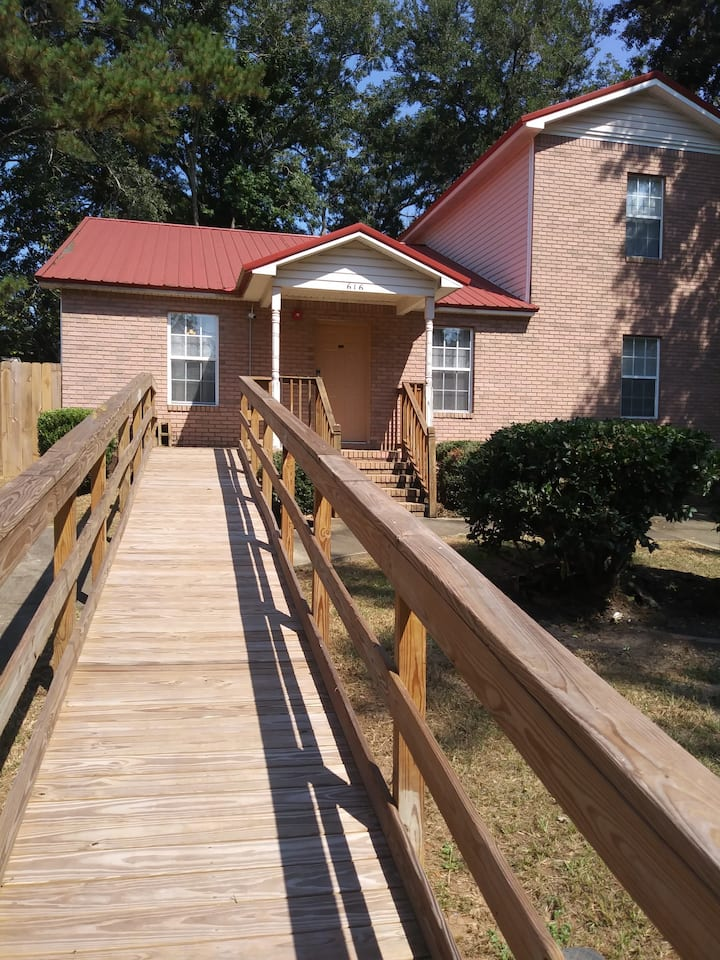 'Good Times' 3 bedrooms in Tallahassee's capital