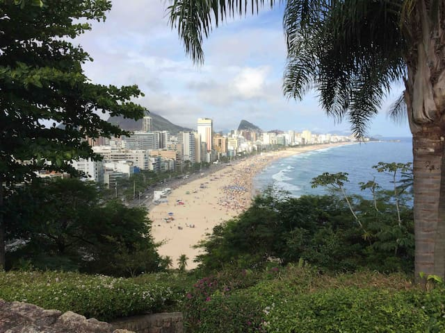 BEST PLACE IN RIO FOR CARNIVAL!! SEE REVIEWS!!