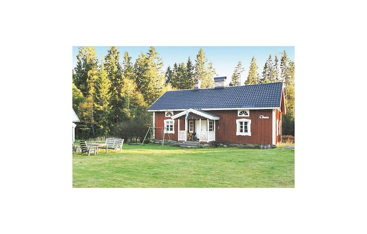 Holiday cottage with 2 bedrooms on 120m² in Strö (Hidden by Airbnb) äsbruk