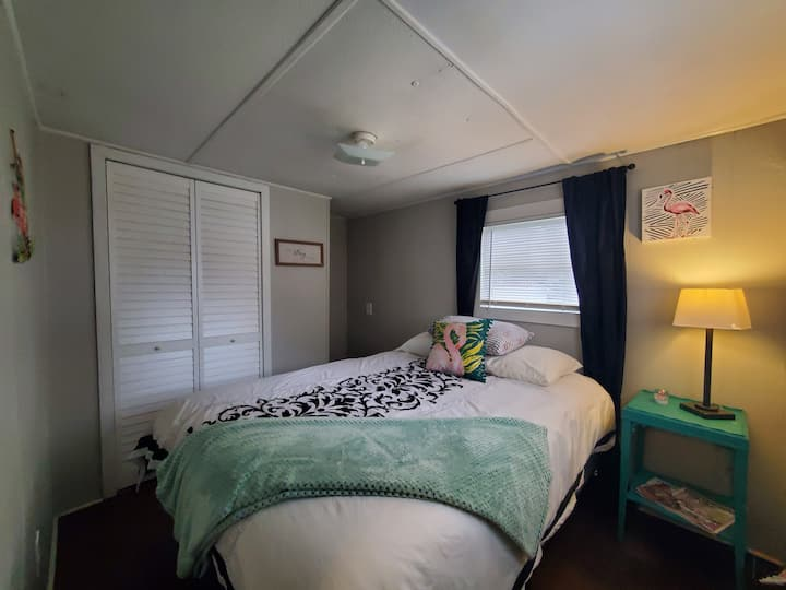 805G Mobile Home Living for Work or Short Stays