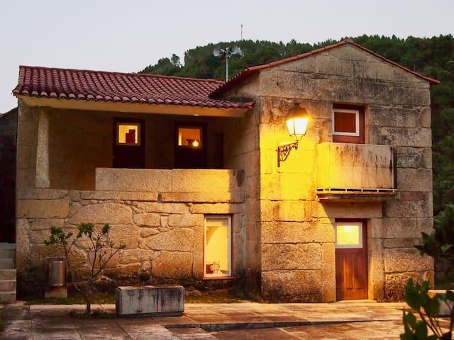 Casas da Lola II - House from cistercian times!