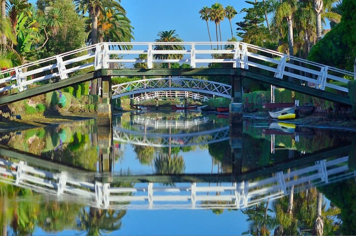 Waterfront on Venice Beach Canals - Los Angeles - Apartment