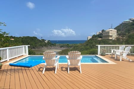 Pura Vida - Pool & Expanded Deck on 1.5 Acres