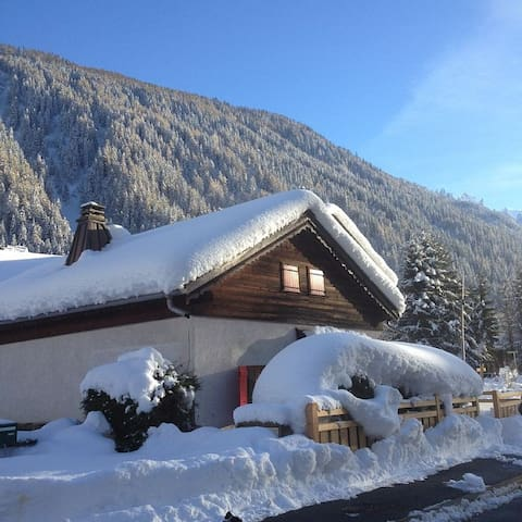 Chalet Mabel - sleeps 4