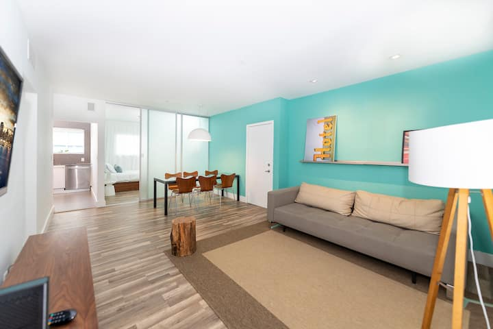 2 Bedroom Luxury Suite near Lincoln Road Mall