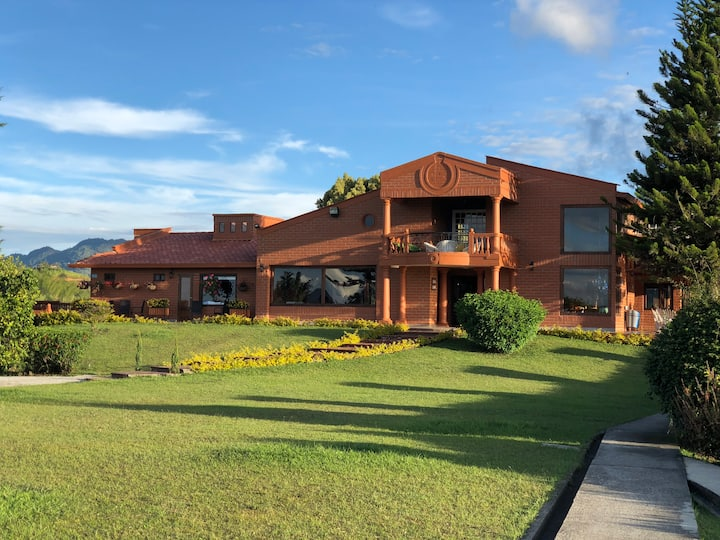 Finca Hotel Casa Loma