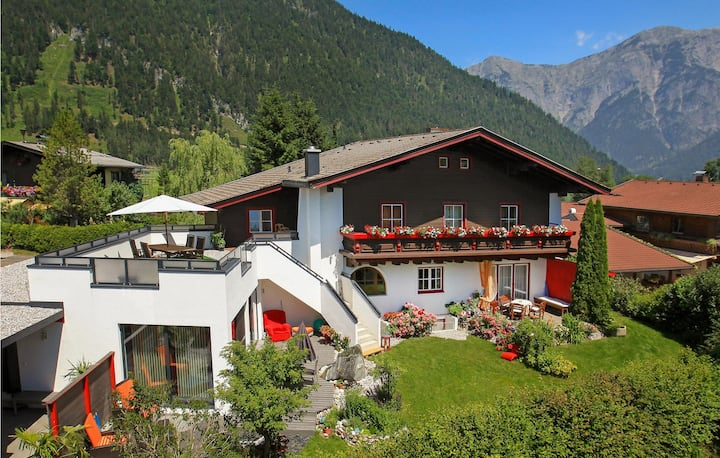 Nice apartment in Saalfelden with 2 Bedrooms