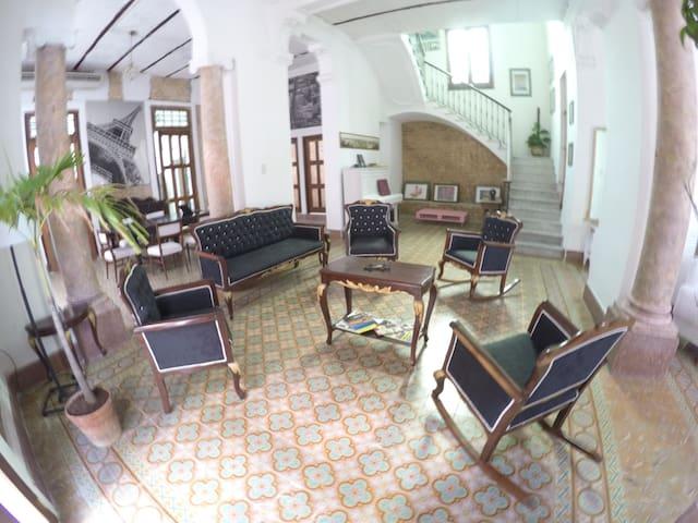 """Suite """"Las Puertas de La Habana"""""""
