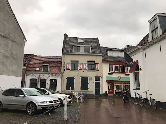 Logeerkamer in centrum Amersfoort - Amersfoort - House