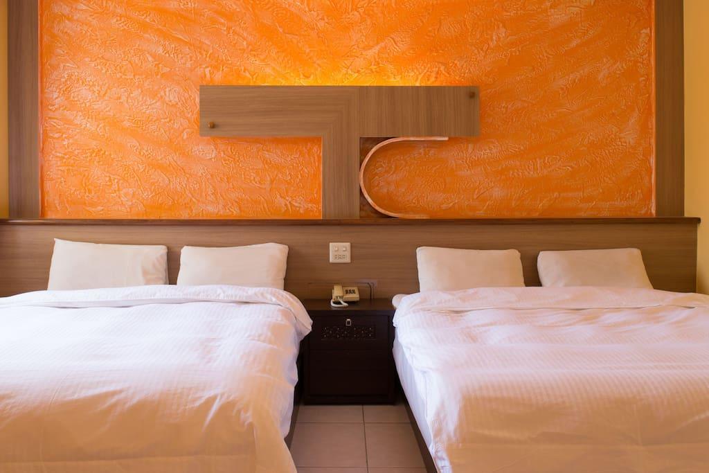 墾丁大尖山飯店-標準四人房 房內床位,設備擺設