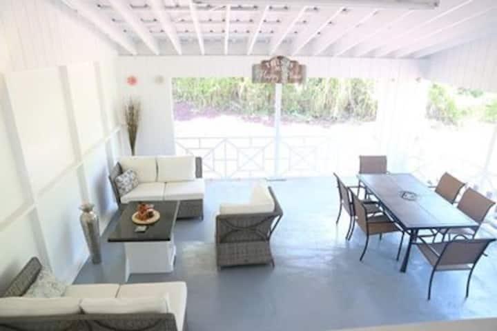 Whole House! Hale o Aole Pilikia & Ahonui Mele