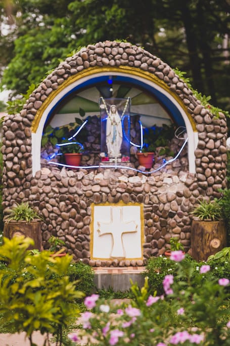 Casa de Fernandes - The Grotto dedicated to Our Lady of Lourdes