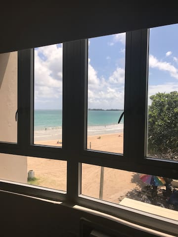 Beachfront condo Isla Verde Beach (Pine Grove)
