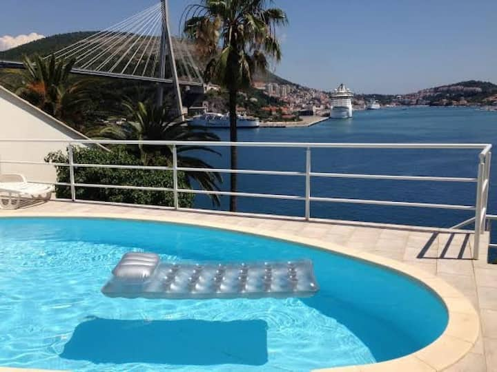 Apartments Lozica - Studio Apartment with Terrace and Sea View