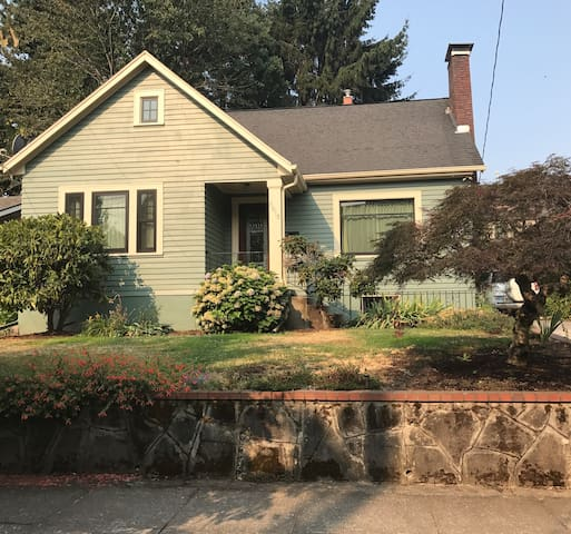 Two bedroom house with nonconforming 3rd bedroom