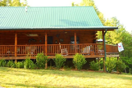 Mountain log cabin - Elizabethton - Cabaña