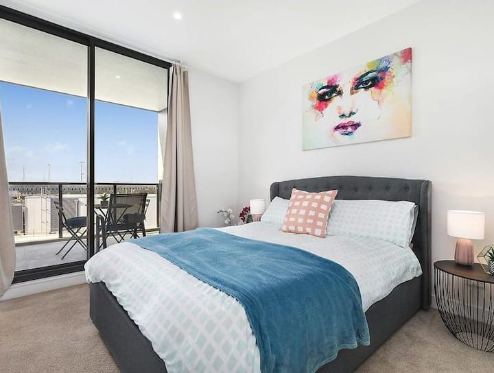 Sydney Super Value Harbour 'View' Apartment Ryde