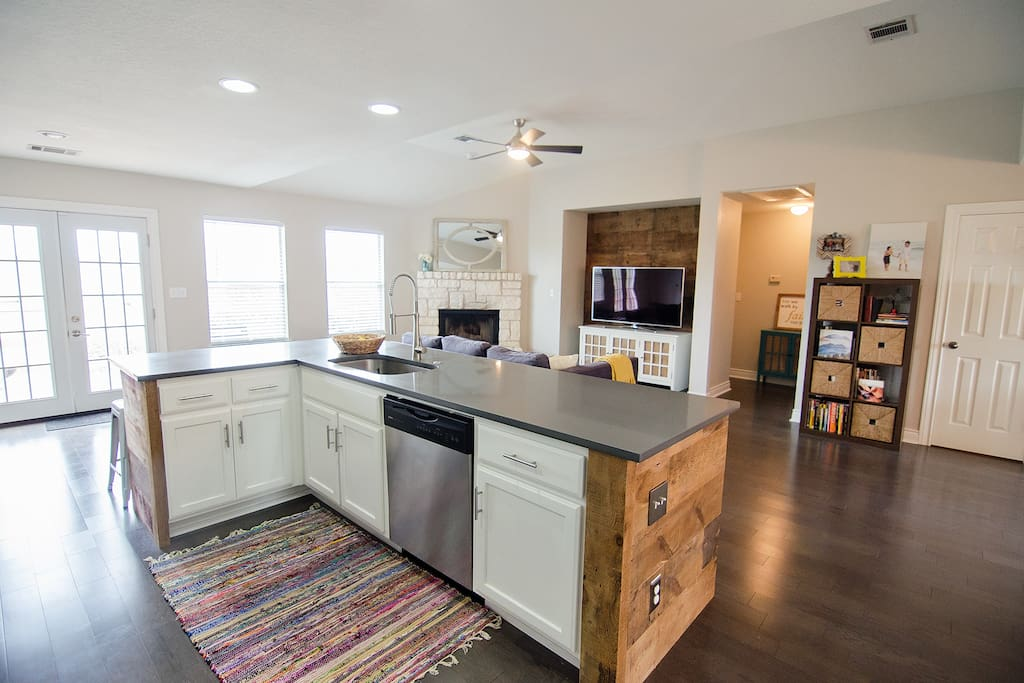Open kitchen and fully stocked.