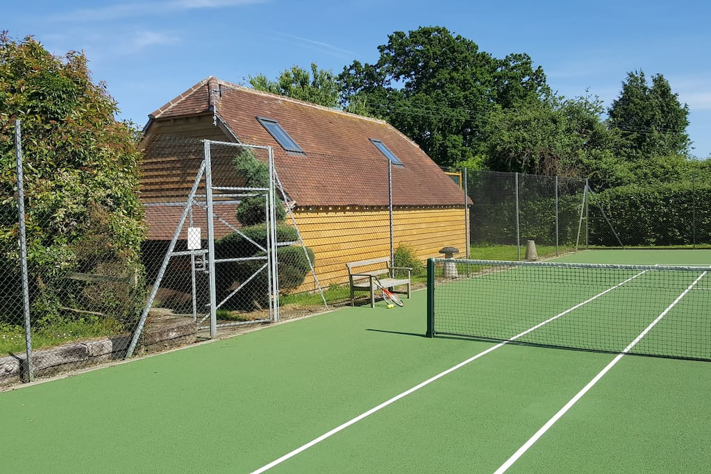 Cartbarn with tennis court