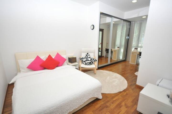 Superior Suites master room-Expats' good choice!!
