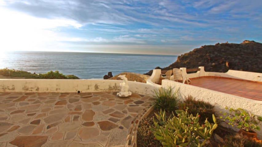 Villa 106............ Ocean Front in Plaza del Mar