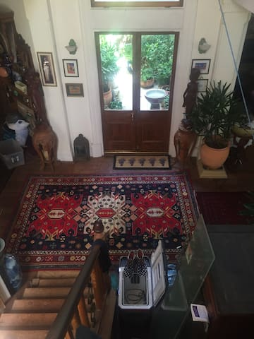 Comfortable Sunny Immaculate Room - Menora - Hus
