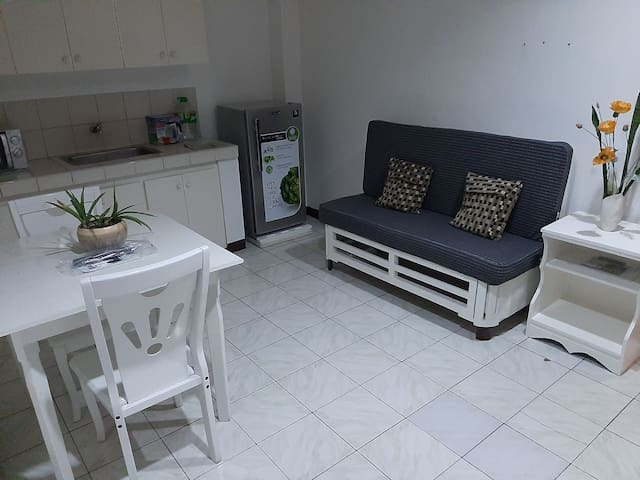 2 Bedroom Condo Unit near DLSU University area