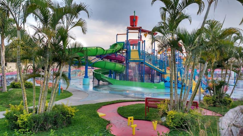 Teques, Morelos. Villa Teques Aqua.