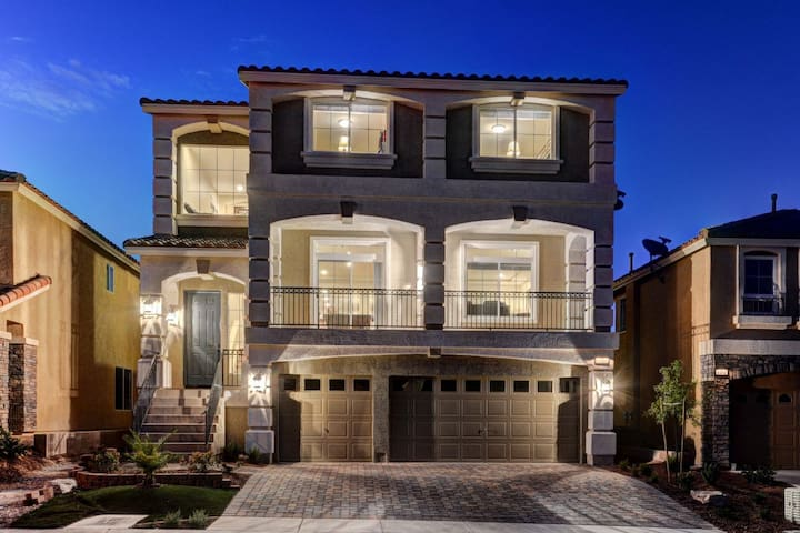 LAS VEGAS LUXURY HOME BY STRIP 5BD! - Las Vegas - House