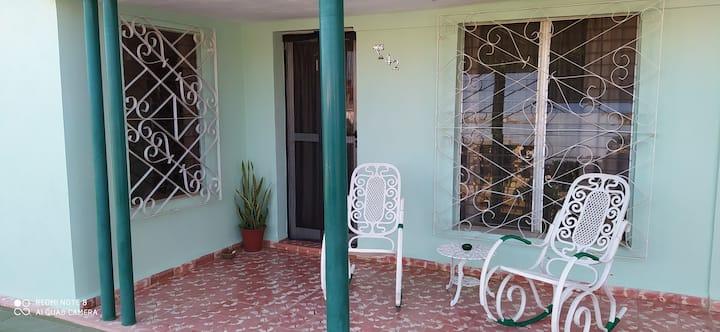 Casa Leo-Varadero area -Apt w 2 beds/beach/private