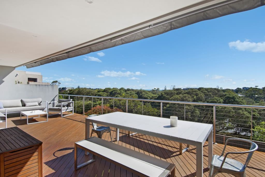 Top Balcony Area