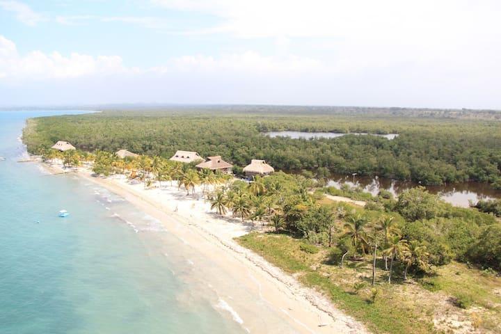 Beach Villa near Cartagena with Servants - Sucre - Villa