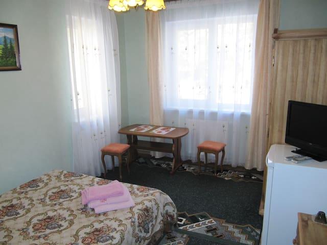 Гостевой Дом Парма 5 - Lesnoy - House