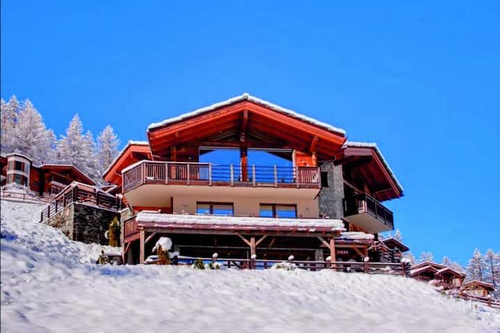 Cozy 6BD Alpine Holiday Chalets Sky