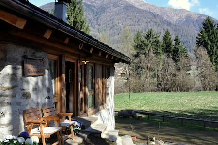Cottage for 5, Dolomites, Trentino - Terzolas - Chalet