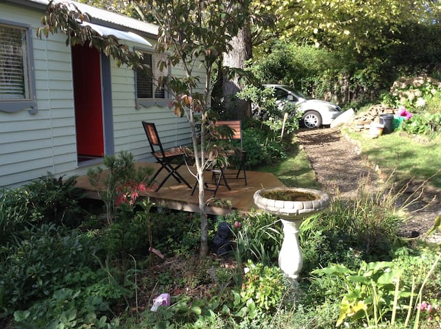 Self Contained Cabin in Garden - Katoomba - Hytte