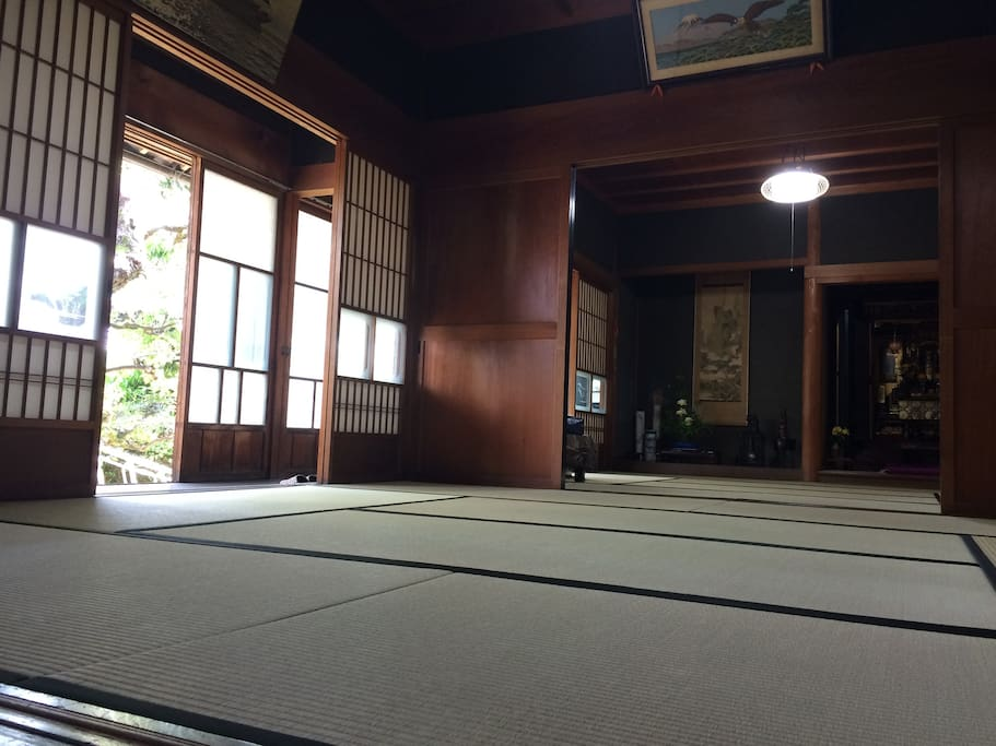 you can take a good nap with aromatic japanese tatami scent.
