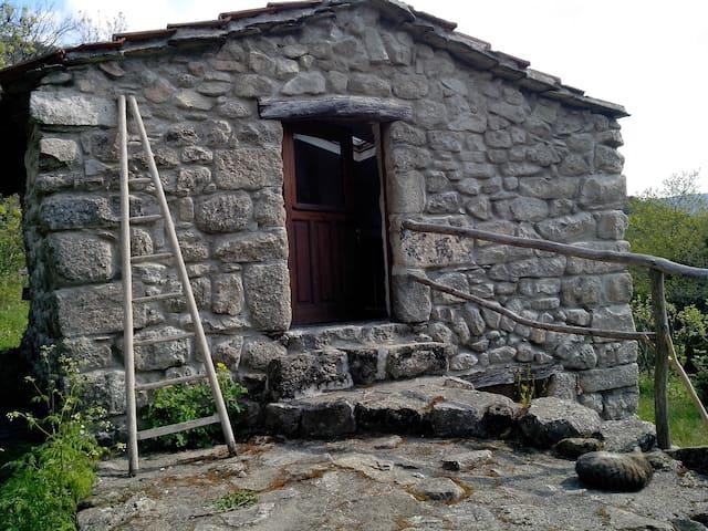 Gîte Sud Ardèche pour 2 pers. en pleine nature - Malarce-sur-la-Thines - Allotjament sostenible a la natura