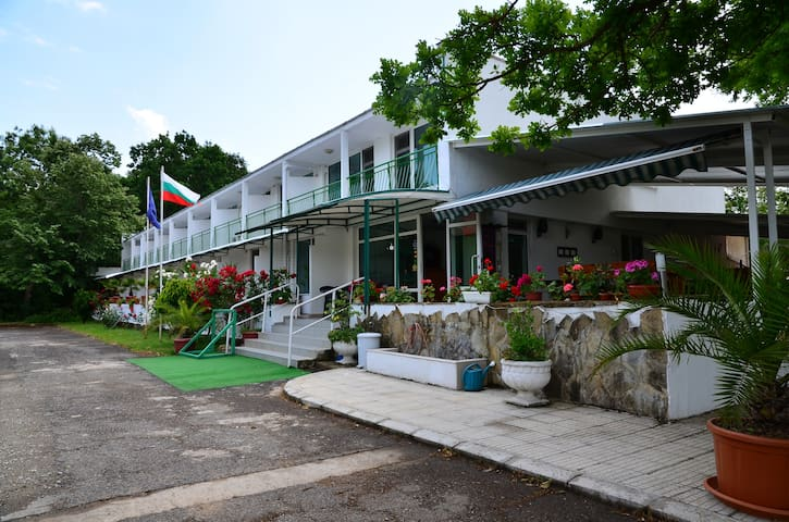 Char DOUBLE ROOM - MMC Primorsko - Primorsko - Bed & Breakfast