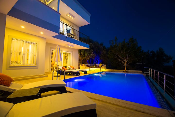 3 Bedroom 6 Person Private Pool Villa