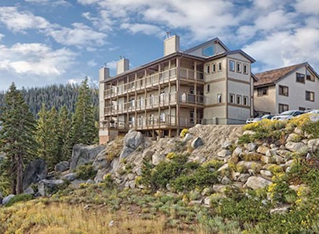 1BR South Lake Tahoe condo sleeps 4 - Stateline - Apartment