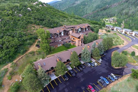 Cozy Steamboat getaway with incredible views! - Steamboat Springs