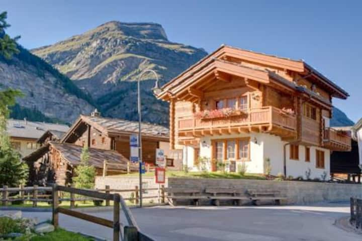 Chalet Ulysse Charming and Cosy for 8 guests