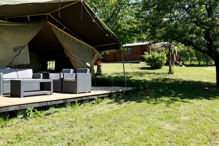 Luxury Lodgetent on holidaypark with swimming pool - Bonvicino - Tienda de campaña