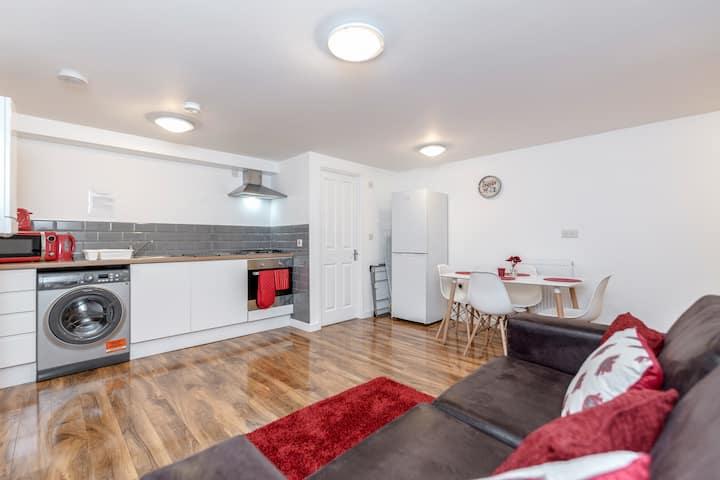 Royal Apartments, Heathrow - Royal Apartment No. 1