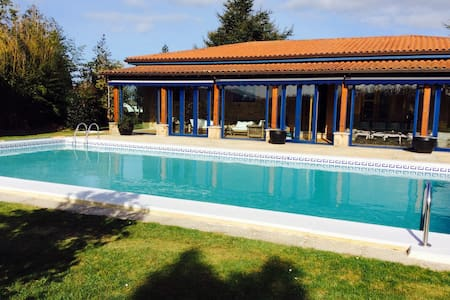 Chalet con piscina de 4 dormitorios