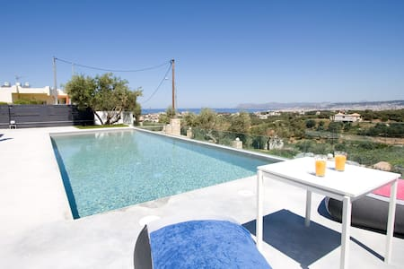 Andreas villa sea view & pool! - Daratsos - วิลล่า