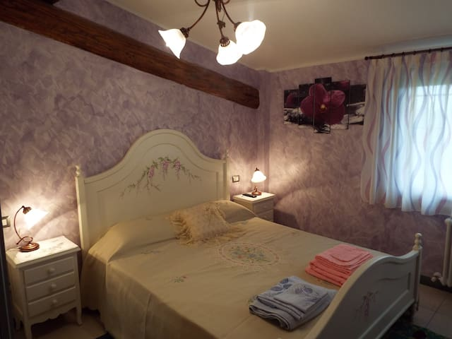 Camera in b&b vicino a Parma e Reggio Emilia - Gattatico - Bed & Breakfast