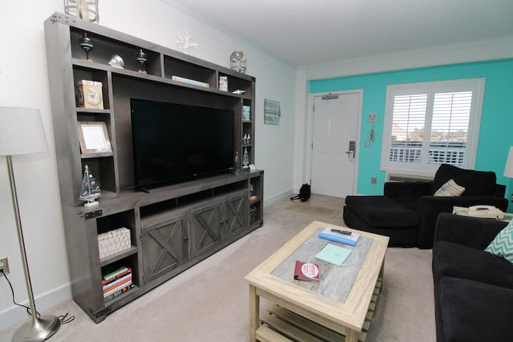 Tank Tops & Flip Flops 112 at the Villas at Hatteras Landing 112 One Bedroom Condo